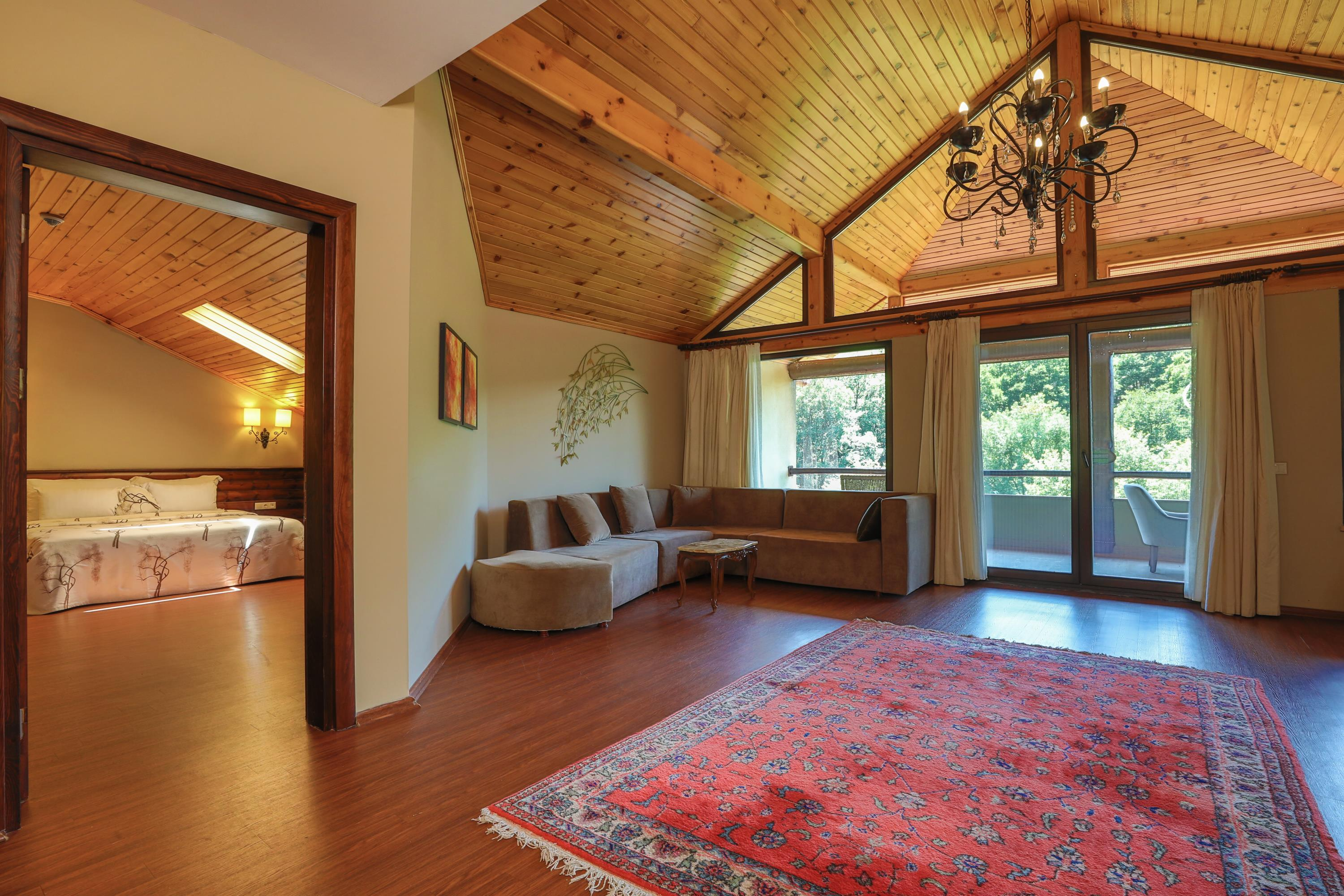 King Suite Forest View